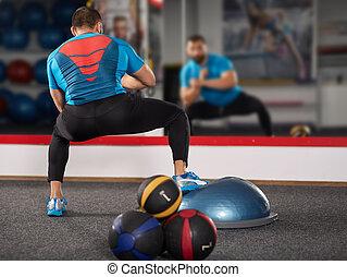 trainer, werkende , met, evenwicht, bal