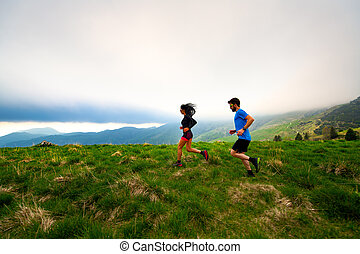 Training for a couple of long distance trail running athletes in the mountains