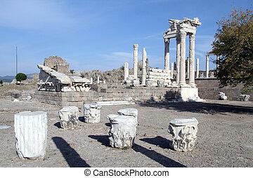 trajan, pergam, 寺院