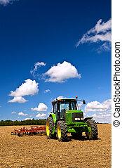 traktor, alatt, szánt mező