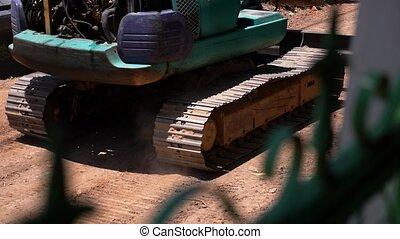 traktor, fahren, entlang, der, staubig, road., spur, schließen, auf.
