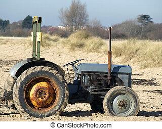 traktor, gammal, rostig
