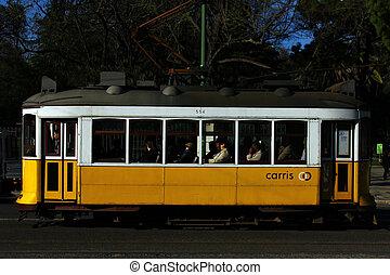 tram, 28, lisbona, portogallo