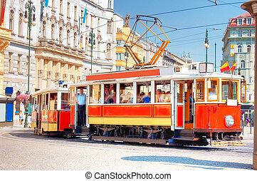 tram.