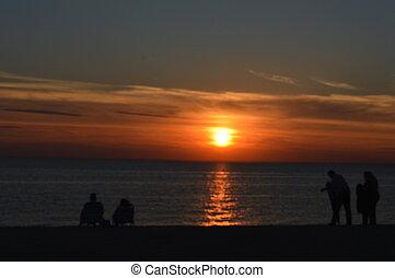 tramonto, a, spiaggia