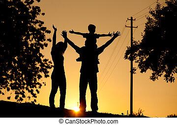 tramonto, detenere, famiglia, passeggiata