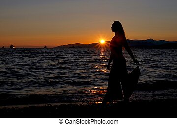tramonto, donna, spiaggia., silhouette, giovane