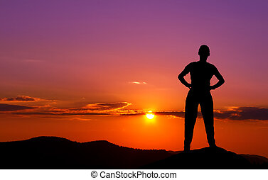 tramonto, montagne, giovane, silhouette
