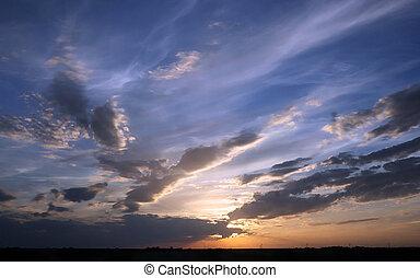 tramonto, nuvoloso