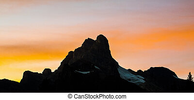 tramonto, silhouette, montagne
