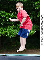 trampoline, tocando, criança
