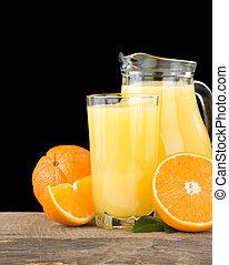 tranches, jus orange, noir, isolé, verre