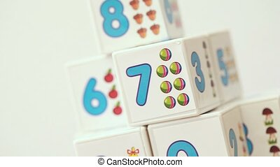 Traning set cubes with number for children that scrolling