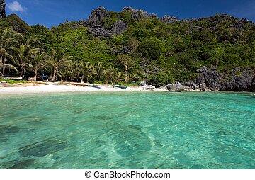 Tranquil tropical beach in El Nido, Palawan island, Philippines