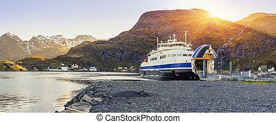transbordador, llegada, y, descargar, en, moskenes, lofoten,...