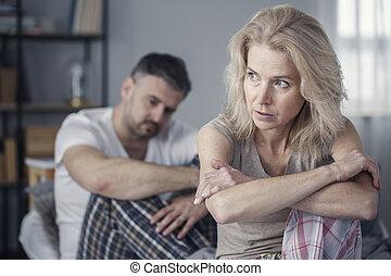transtorne, mulher, após, argumentar