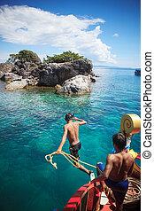 trat, tailandia, -, oct29, :, barco, trabajando, hombre, con, soga, saltar, a, th