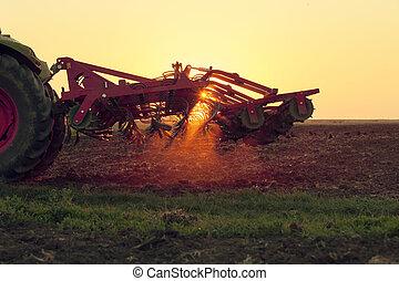 trator, ligado, pôr do sol, fazendo, agricultura