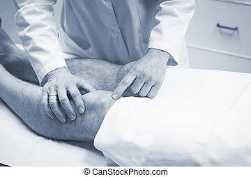 traumatologist, γιατρός , ασθενής , ορθοπεδικός , διερευνώ...