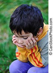 traurige kinder, in, natur, draußen