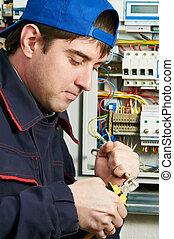 travail, électricien