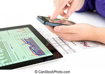 travail, femme affaires, documents, pc tablette