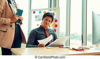 travail, malheureux, affaires gens, conflit, problème, bureau