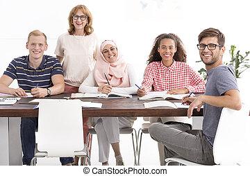 travailler ensemble, despite, culturel, différences