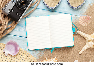 Travel and vacation notepad with items