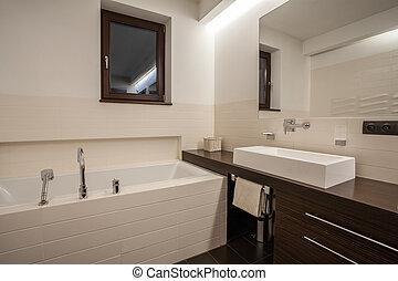 Travertine house - bathroom with window