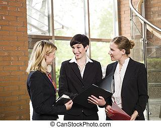tre donne, in, uno, riunione affari