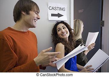 tre folk, hos, casting, rop