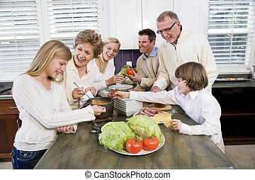 tre generation släkt, in, kök, matlagning, lunch