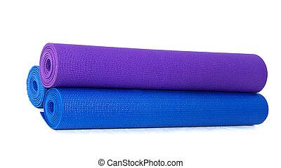 tre, rotolato, esercizio, stuoie yoga, accatastato, bianco