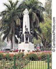 tre, statuer, mindesmærke