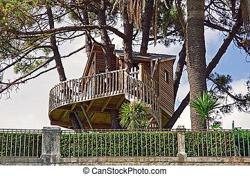 Treehouse accommodation landscape nature tree leaf bush