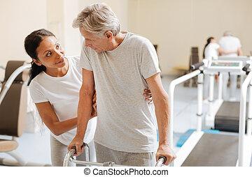 treinador, paciente, dela, ginásio, ajudando, amigável