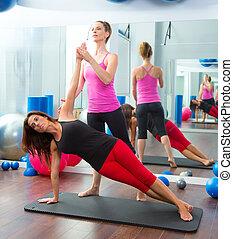 treinador, pilates, aeróbico, pessoal, instrutor, mulheres