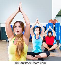 treinamento, grupo, pessoas, ginásio, condicão física, ioga, exercício