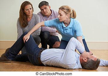 treinamento, mulher, recuperação, demonstrar, posição, ajuda, classe, primeiro