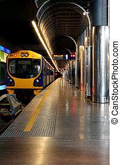 tren subterráneo, estación