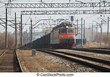 trende carga, locomotora, proceso de llevar, con, carga, en, día