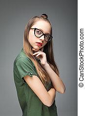 trendy, menina, jovem, óculos