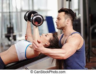 trener, osobisty, sala gimnastyczna, kobieta, porcja