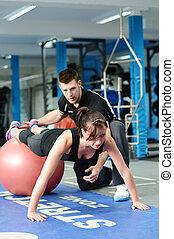 trener, piłka, osobisty, sala gimnastyczna, tłoczyć, ups