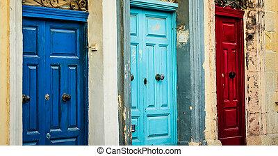 tres, color, puertas, en, un, calle, de, valletta