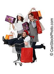 tres, compras de mujer, juntos