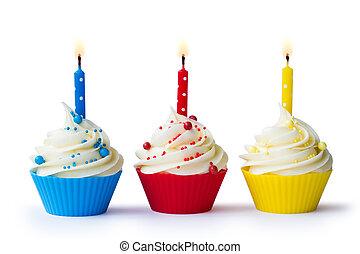 tres, cumpleaños, cupcakes