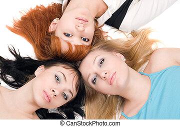 tres, mujeres jóvenes