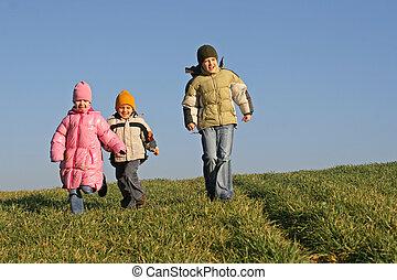 tres niños